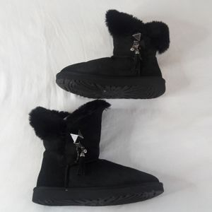 Uggs Classic Short Charm Black Boots Size 9